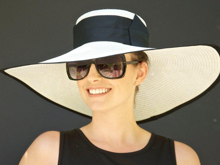Bảo vệ tóc khỏi ánh nắng giúp bền màu hơn